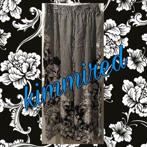 🆕 Black/White Striped Floral Pants ~ 2X ~ NWT